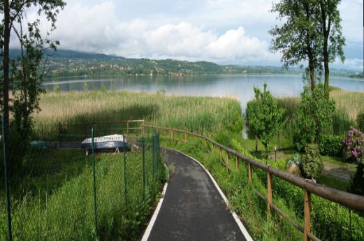 Lago di Varese: pista ciclopedonale e Isolino Virginia