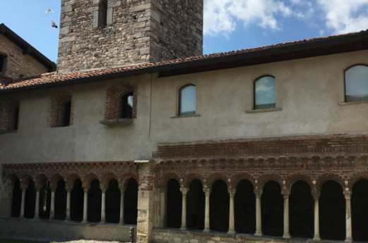 The monastic art of The Cloister of Voltorre
