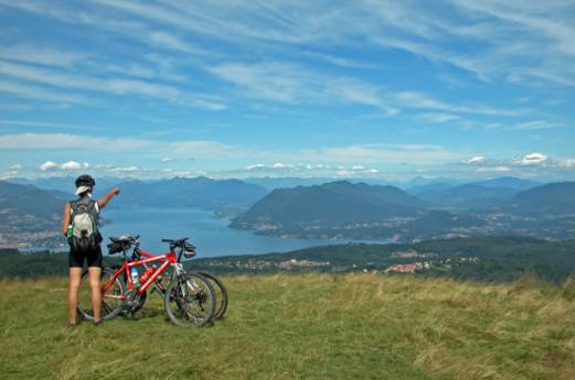 Itinerari e come esplorare il territorio di Varese in bici