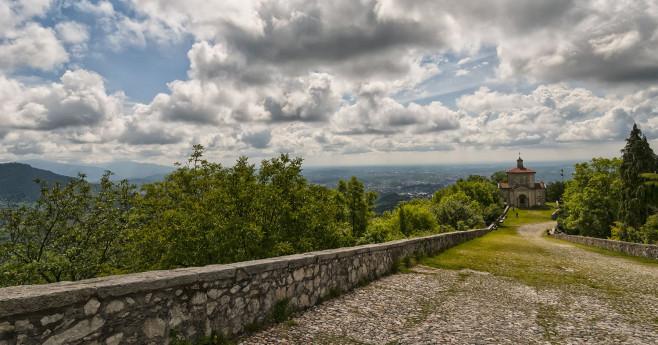 Il Sacro Monte di Varese: il viale e il borgo