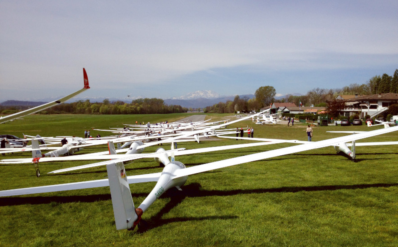Gliding: soaring across Varese's skies