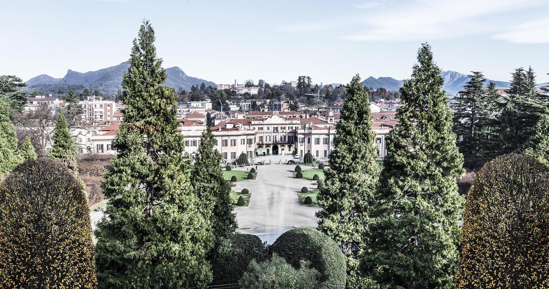 Palazzo Estense incoronato dagli alberi, Varese.