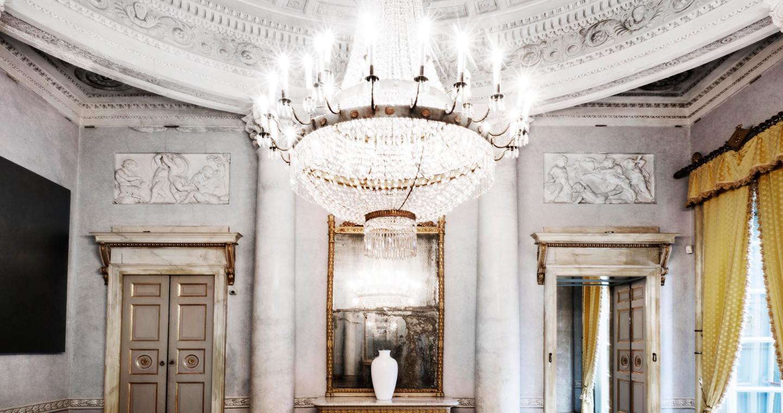 Una sala di Villa Menafoglio Litta Panza, Varese.