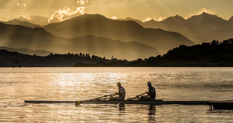 Canottieri sul lago di Varese