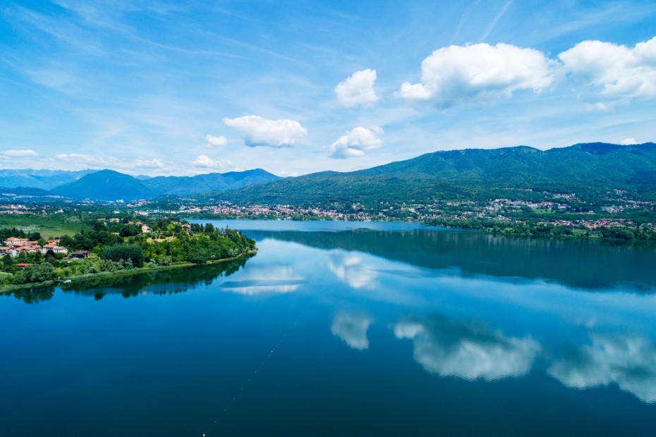 1. È la terra dei laghi